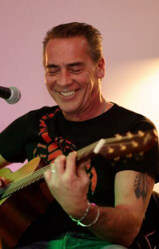 Louis Klose Guitar